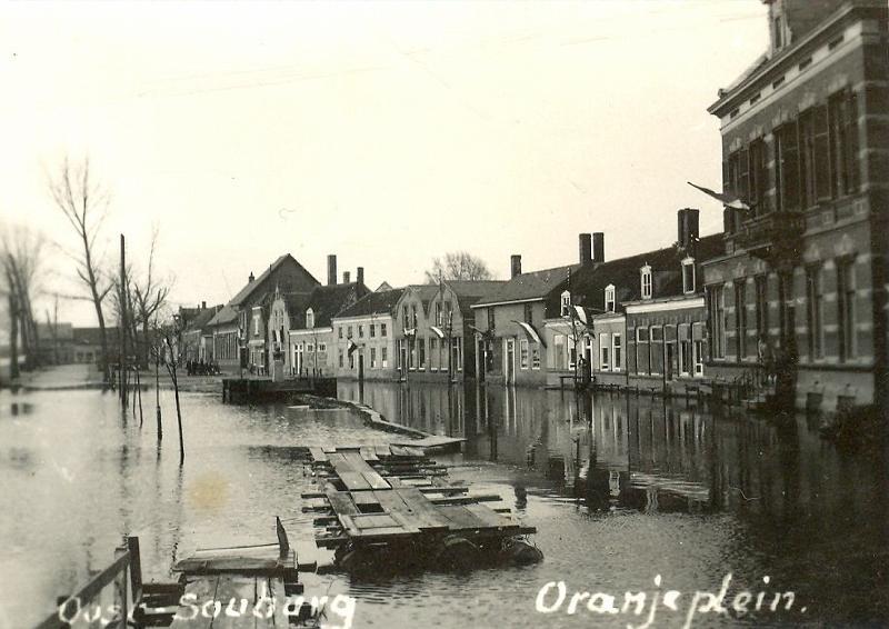 Oranjeplein, Oost-Souburg. 1945.